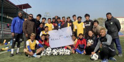 ガンバ大阪の小野瀬選手、湘南ベルマーレの三幸選手、寄付をありがとうございました!