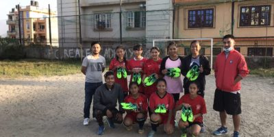 プロを目指す女子選手たちにサッカーシューズを寄贈!Donate soccer shoes to female players who aim to become professionals!