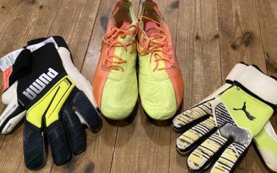 Jリーグ選手から シューズとキーパーグローブ寄付いただきました!J. Leaguer Contributed Us Shoes and Keeper Gloves!